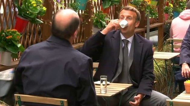 Emmanuel Macron et Jean Castex en terrasse ce mercredi 19 mai pour fêter l'acte 2 du