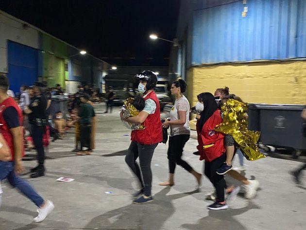 Acogida de inmigrantes en Ceuta el 18 de