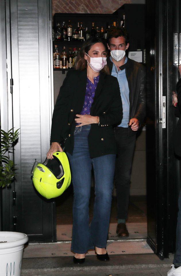 Tamara Falcó e Íñigo Onieva saliendo de un restaurante este