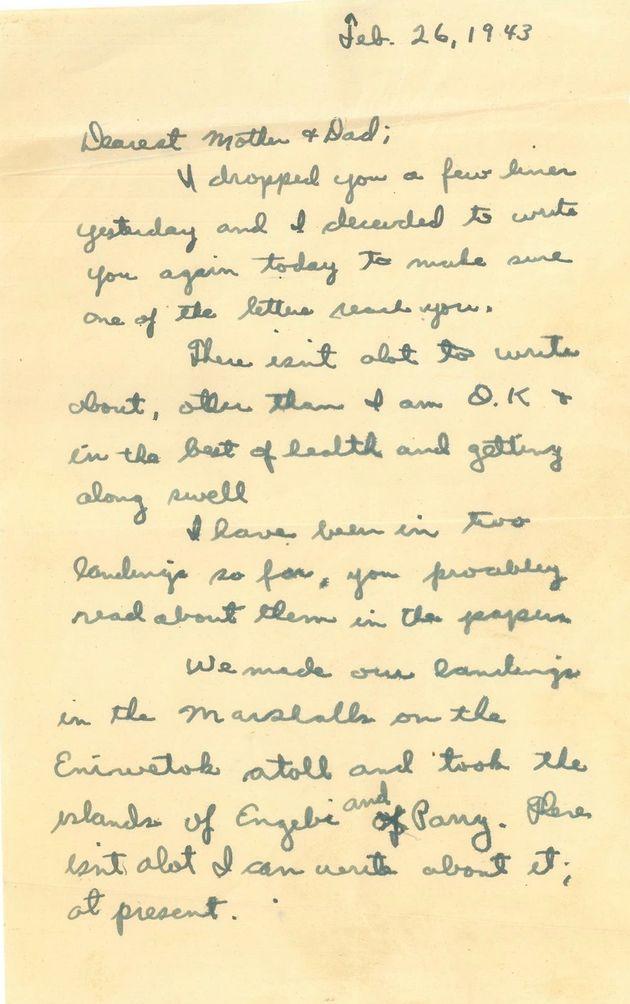 ハリーさんが戦地から両親に送った手紙。「私は大丈夫。健康で最高の状態で、元気です」1943年2月26日となっているが、実際には1944年2月26日だ。