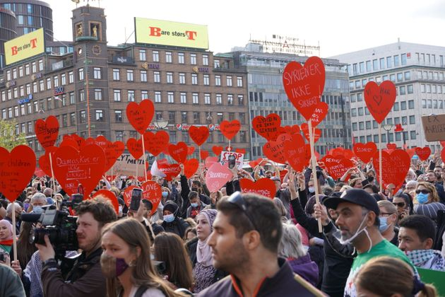 Δανία: Χιλιάδες διαδηλωτές υπέρ των Σύρων που απειλούνται με