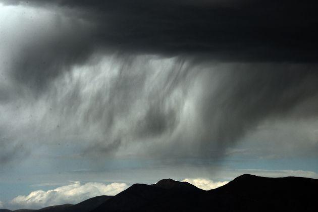 Επιδείνωση του καιρού με θυελλώδεις ανέμους και ισχυρές