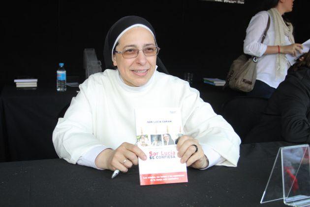 La monja Sor Lucía, durante una Feria del