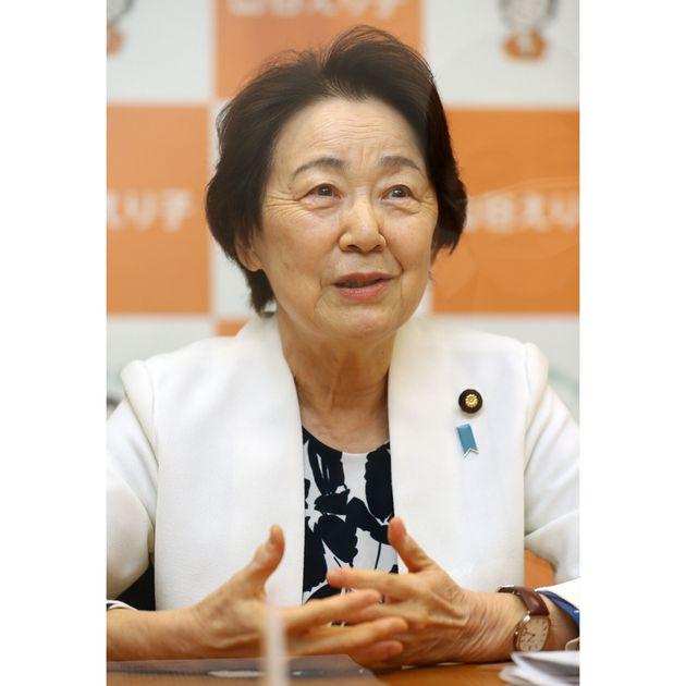 インタビューに答える自民党の山谷えり子参院議員=2021年4月26日、東京・永田町の参院議員会館