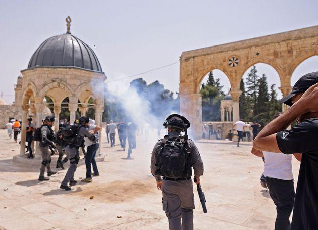 Συμπλοκές μεταξύ Ισραηλινών και Παλαιστινίων στην Ιερουσαλήμ παρά την