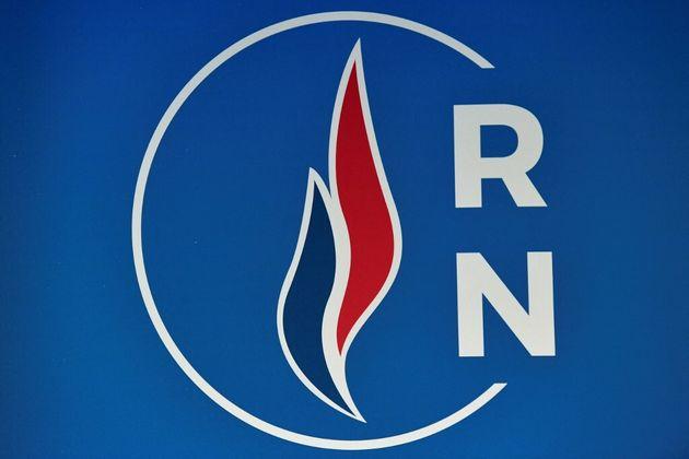 Le logo du Rassemblement national, lors des voeux à la presse de Marine Le Pen, le 16 janvier
