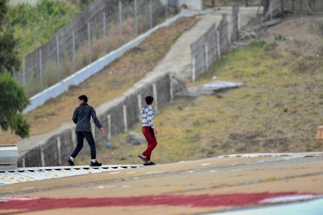 Dos menores en Ceuta, el pasado 20 de