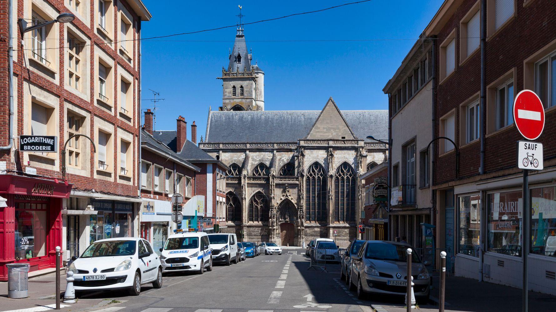 Amiens: une zone industrielle confinée après une fuite d'acide chlorhydrique