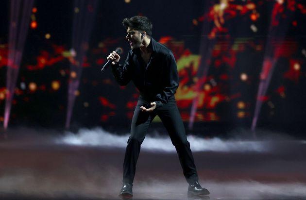 Blas Cantó durante su actuación en el 65º Festival de