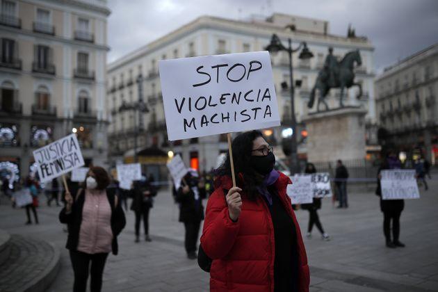 Manifestación contra la violencia machista en la madrileña Puerta del