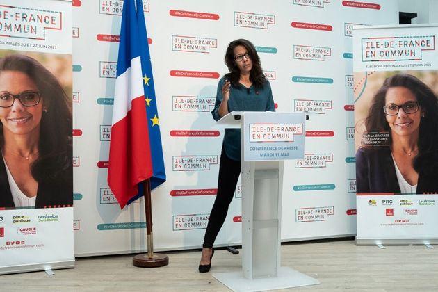 Pour quels propos Darmanin porte-t-il plainte contre Pulvar (ici en photo à Paris le 11 mai