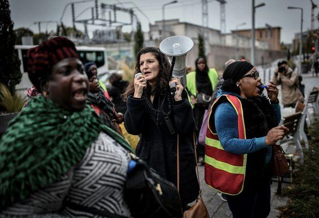 Les femmes de chambre de l'Ibis Batignolles manifestent le 17 octobre 2019 devant le siège