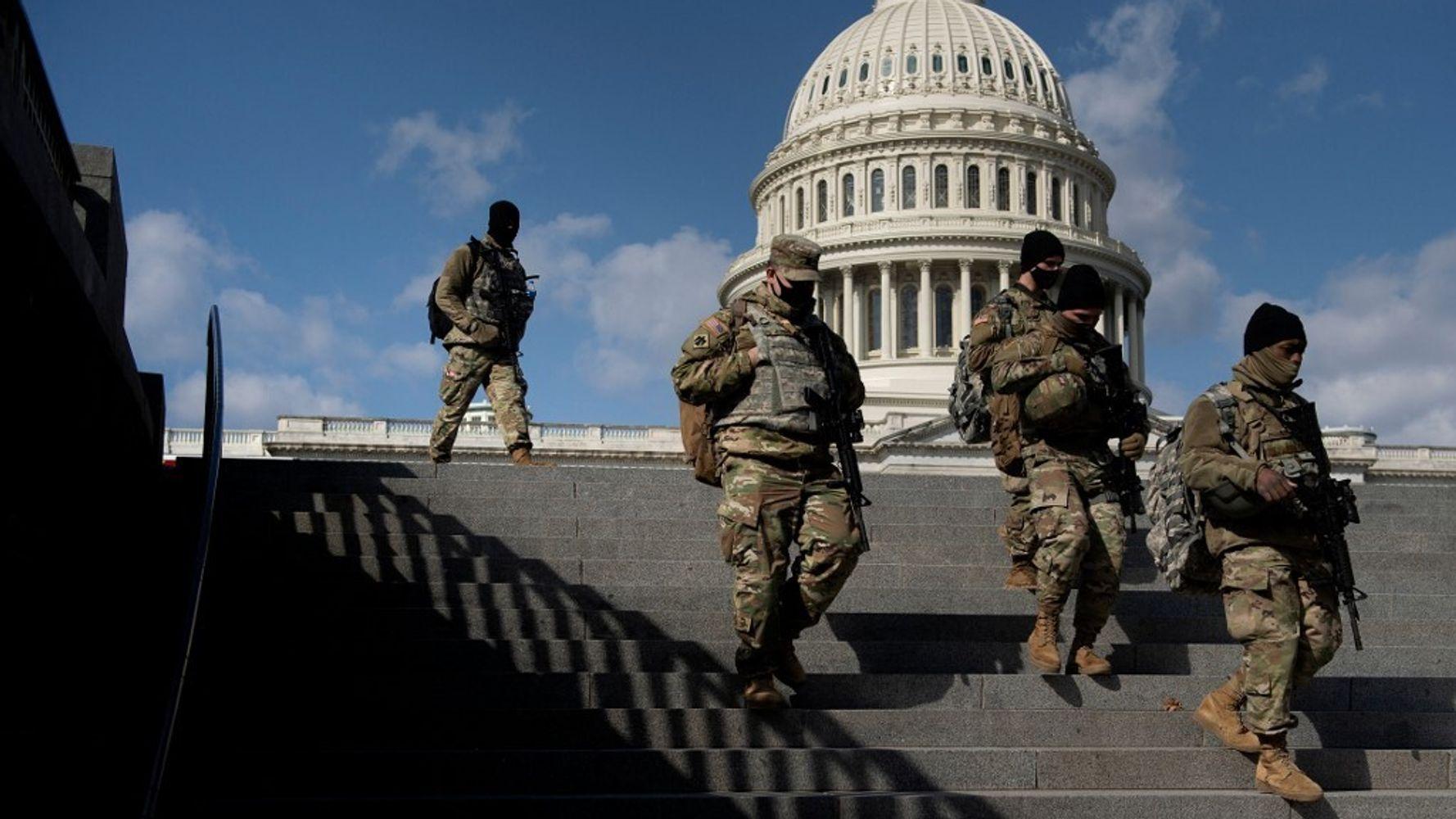 La Garde nationale quitte le Capitole de Washington