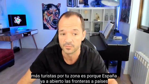 Ángel Martín en su informativo matinal de este