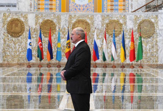 Le président biélorusse Alexandre Loukachenko, dans sa résidence, le palais de l'Indépendanceà...