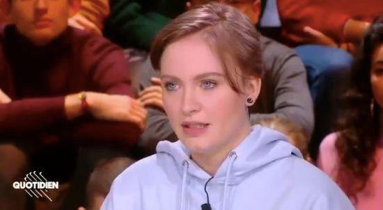Photo d'illustration de Mila sur le plateau de l'émission