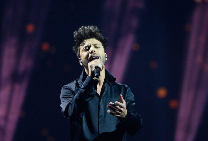 Blas Cantó canta 'Voy a Quedarme' en Eurovisión.