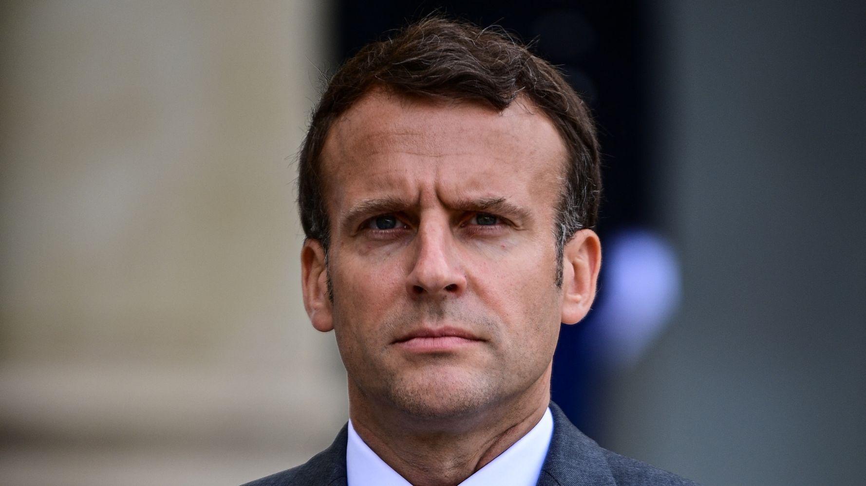 Macron compare la France de 2021 à