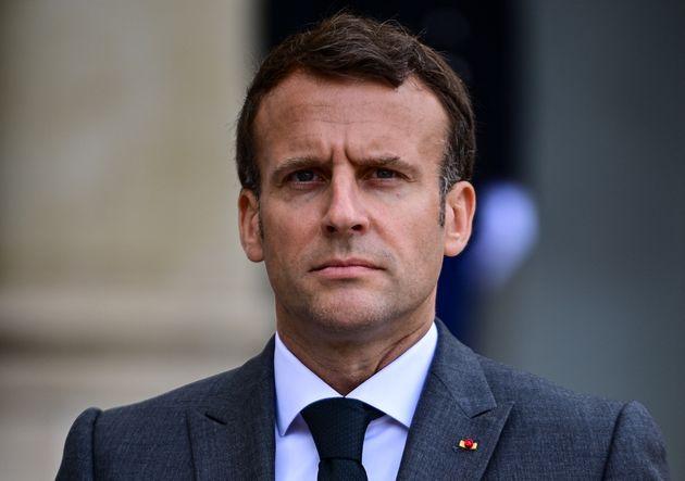 Macron s'en fout de la tribune des généraux, il mise tout sur l'anti-France