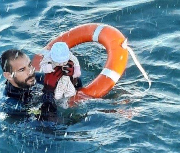 El agente Juan Francisco rescata al