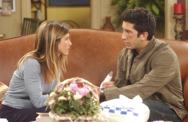 Rachel et Ross, joués par Jennifer Aniston et David Schwimmer dans l'épisode