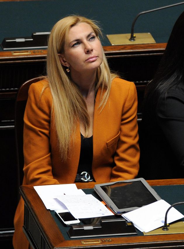 Il sottosegretario Michaela Biancofiore nell'aula di Montecitorio durante le comunicazioni del premier...