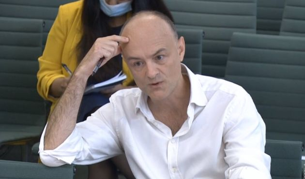 Dominic Cummings, exasesor principal del primer ministro de Reino Unido, Boris Johnson, interviene en...