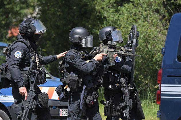 Le GIGN sur place après l'attaque au couteau d'une policière à La Chapelle-sur-Erdre...