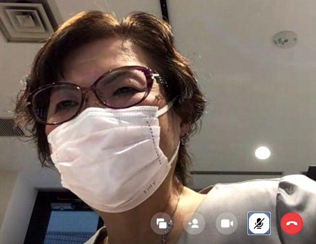 6月の証人尋問は「天王山」とオンラインの取材で話す鴨志田弁護士=2021年5月