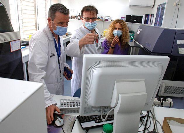 Los investigadores Francisco Marco, Fabián Tarín y Paula