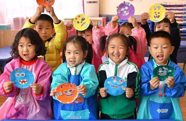 La Cina autorizza fino a tre figli. Svolta per contrastare il calo della