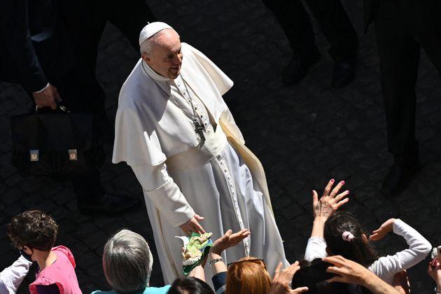 Vaticano cambia il codice: da pedofilia a mala gestio, a rischio stipendi e