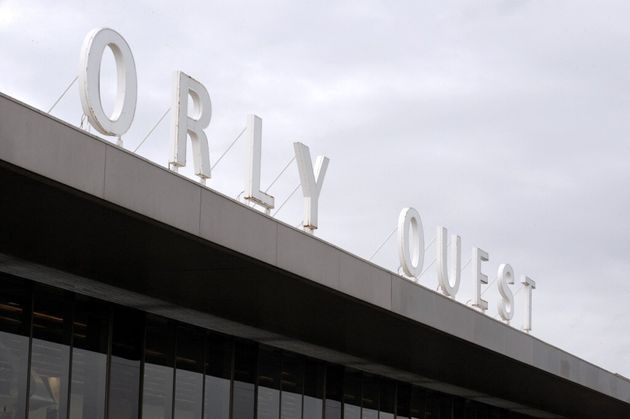 Les lettres monumentales de l'aéroport Orly Ouest photographiée en 2012 (photo