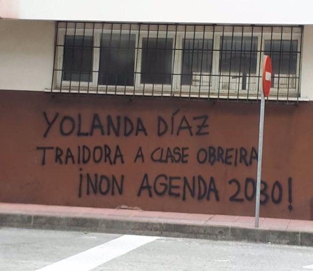 Pintanda en el barrio de San Valentín, en Fene, contra Yolanda