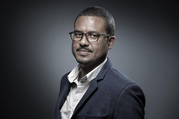 David Diop pose à Paris, le 20 septembre