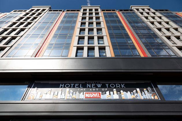 Fachada del Disney's Hotel New York – The Art of