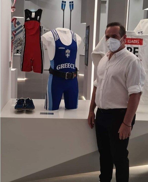 Ο Λεωνίδας Κόκκας ήταν από τους Ολυμπιονίκες που παραχώρησαν ενθύμια της συλλογής τους από την συμμετοχή τους σε Αγώνες