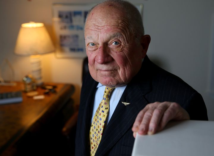Famed trial lawyer F. Lee Baileydied Thursday at 87.