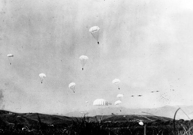 Μάιος 1941 Γερμανοί αλεξιπτωτιστές...