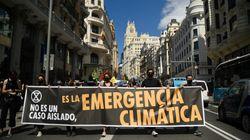 Extinction Rebellion corta la Gran Vía de Madrid para reclamar el reconocimiento del delito de