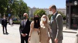 Una señora se acerca a Felipe VI, posa para la foto y deja una frase que sorprende al