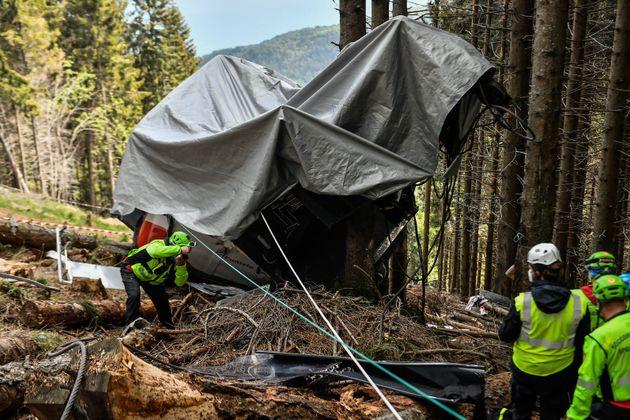 26/05/2021 Verbania, sopralluogo della protezione civile e del soccorso alpino alla cabina caduta dalla...