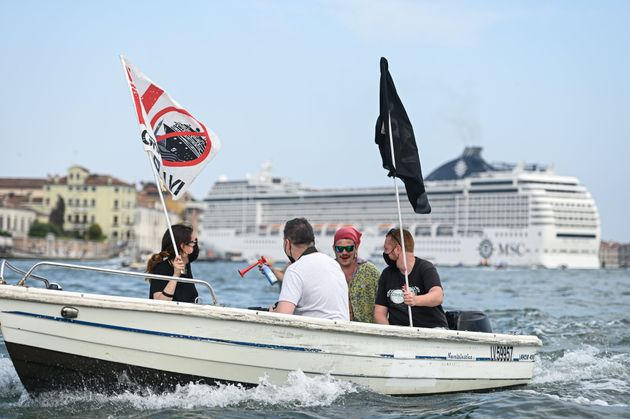 Venise rouvre sa lagune aux croisières dans une ambiance polémique (Photo by Piero Cruciatti/Anadolu...