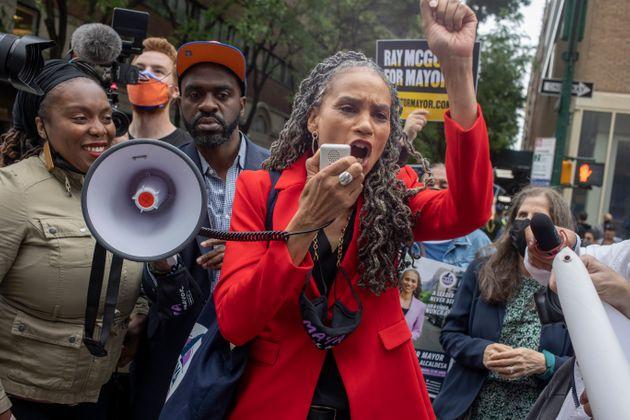 Una donna sindaca a New York? Ocasio lancia Maya Wiley   L'HuffPost