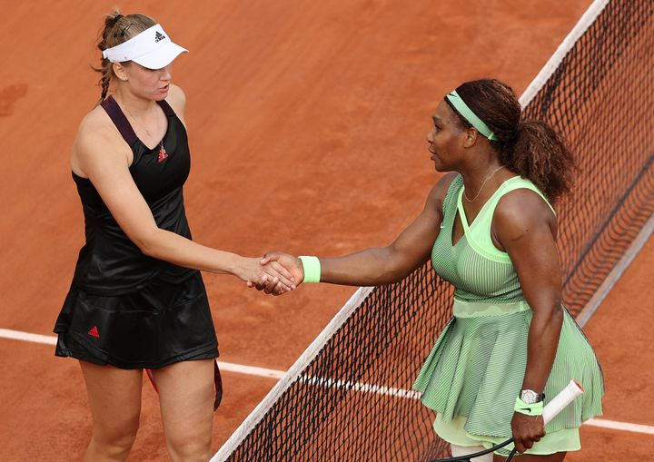 PARIS, FRANCE - JUNE 06: Elena Rybakina of Kazakhstan (L) shakes hands with Serena Williams of USA after winning their Women'
