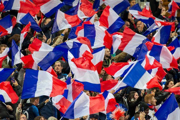 Des supporters français lors du match de qualification pour l'Euro 2020 opposant l'Équipe...
