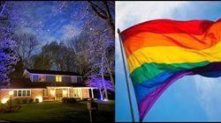 미국의 게이 부부는 집 앞에 '무지개 깃발' 게시 금지 당한 후, 더 화려하고 기발한 방법을 생각해 냈다