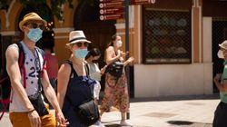 EEUU flexibiliza sus recomendaciones para viajar a 60 países, España