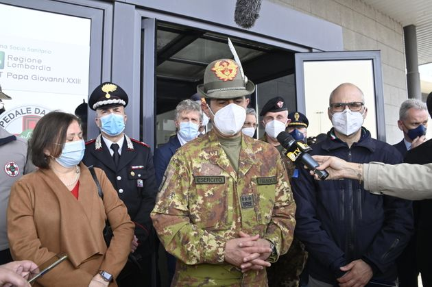 Il generale Francesco Paolo Figliuolo in visita alla Fiera di Bergamo, 31 Marzo 2021. ANSA/TIZIANO