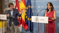 Almeida vuelve a hacer 'un pimpinela' con la delegada del Gobierno en